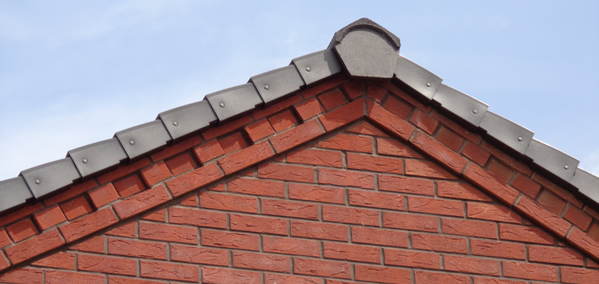 Dry verge and ridge system on roof
