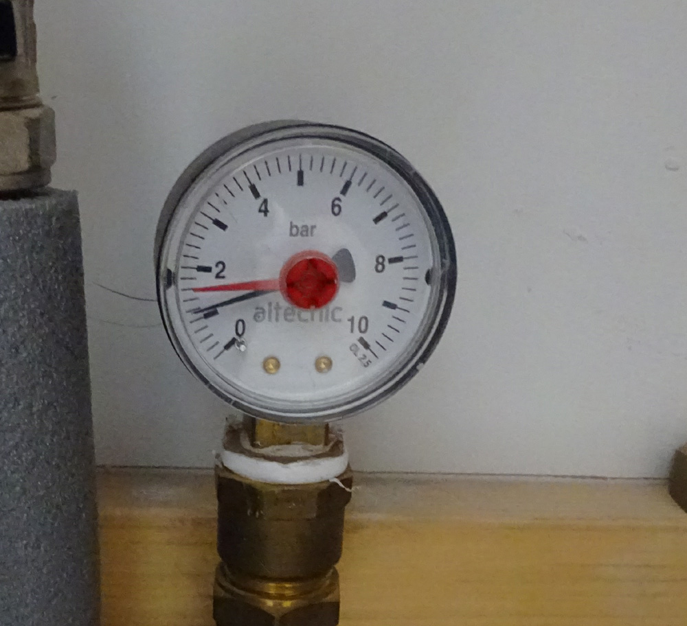 Hot Water Pressure Gauge